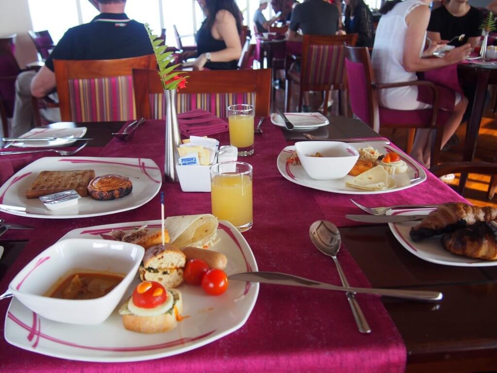 モルディブ マーレ ホテル 朝食