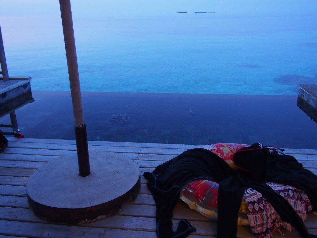 モルディブ 水上ヴィラ プール