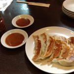 川崎のおすすめB級グルメ!味噌ダレで食べるかわさき餃子!