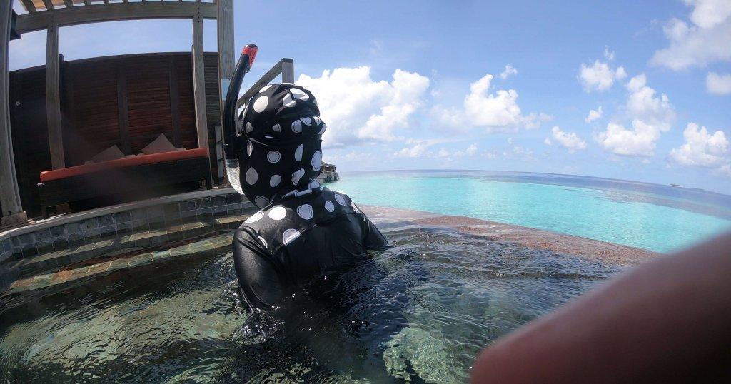 モルディブ シュノーケリング プールで練習