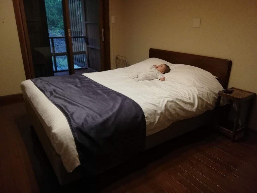 あーちゃん 初旅行 ベッド